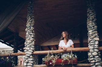 Ratgeber Braut: Last Minute To-Dos für die Trauzeugin vor der Kirche